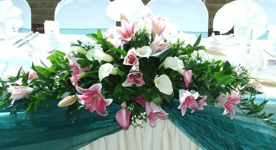 Wedding flowers for your top table in Essex